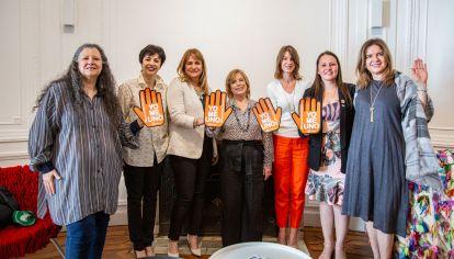JUNTAS. Moderadas por Diana Maffía (izq.), disertaron mujeres líderes de distintas ciudades.