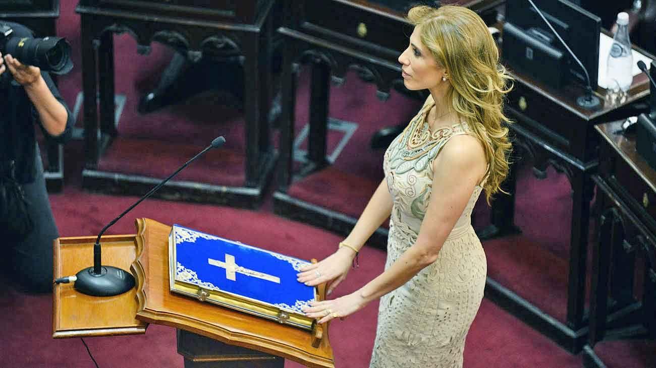 Zamora. La esposa del gobernador de Santiago juró esta semana como presidenta provisional del Senado.