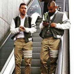 """¡Alerta fashionista! Leo Messi y sus amigos sorprendieron con sus looks """"universitarios"""""""