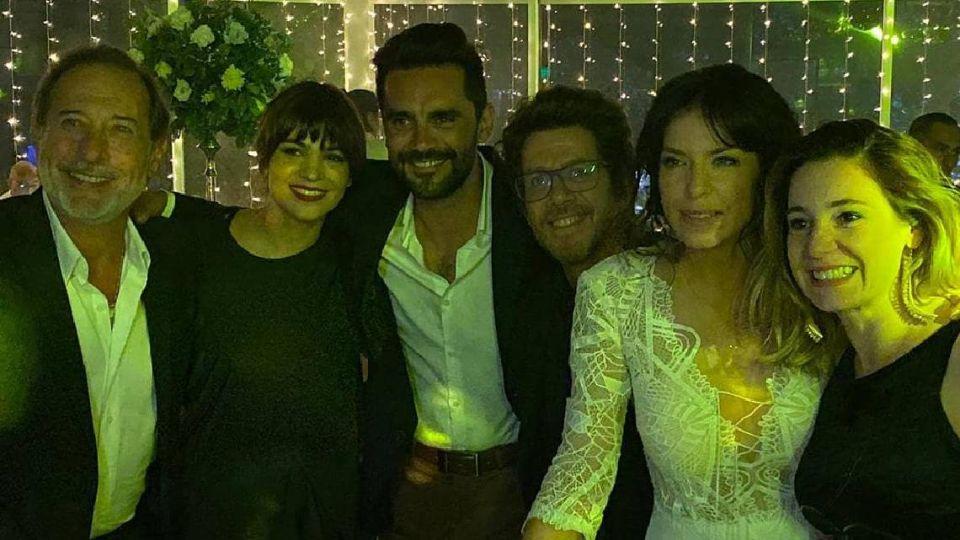 Mercedes Funes junto a sus invitados de lujo en su boda.