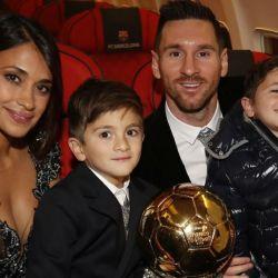 Lio, Antonela, Thiago y Mateo Messi