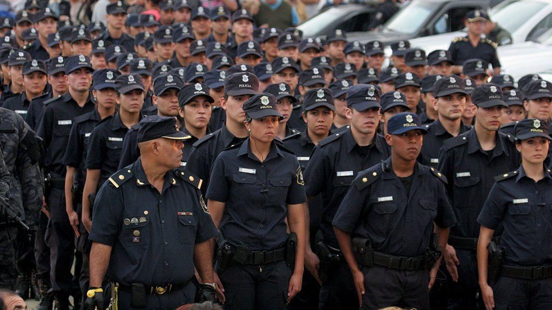 Efectivos de la Policía bonaerense