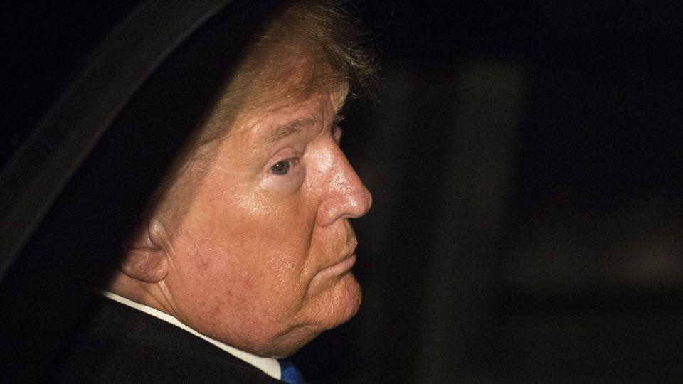 Trump Downplays China Deal Urgency as Trade Risks Roar Back