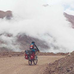 En altura la temperatura desciende de 5 a 10 °C cada 1.000 metros de ascenso.