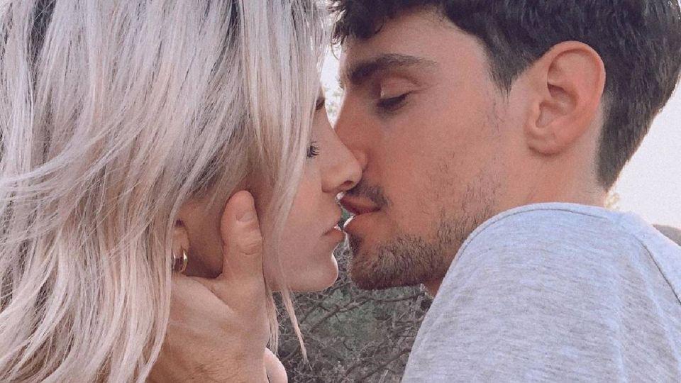 VIDEO | El chape hot de Cande Ruggeriy su novio