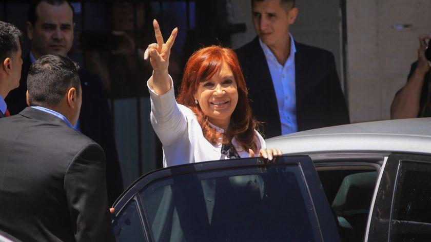 Las causas que amenazan a Cristina  a Máximo y a Florencia Kirchner