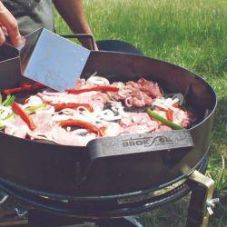 Cocinar en planchas o discos paelleros brinda un punto extra altamente valorado por cocineros y comensales.
