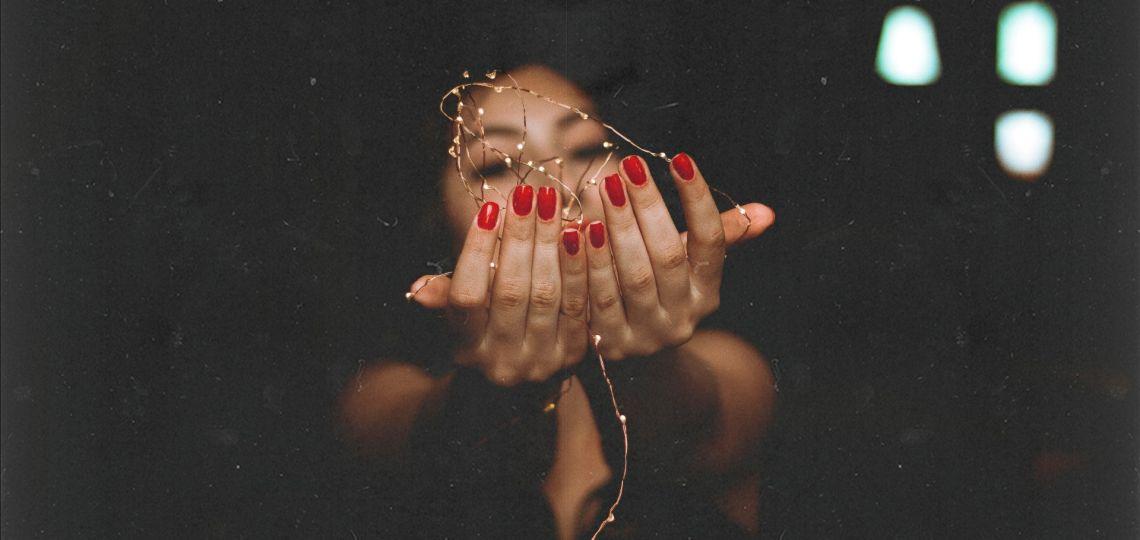 Cuatro tendencias para las uñas que tenés que llevar estas fiestas