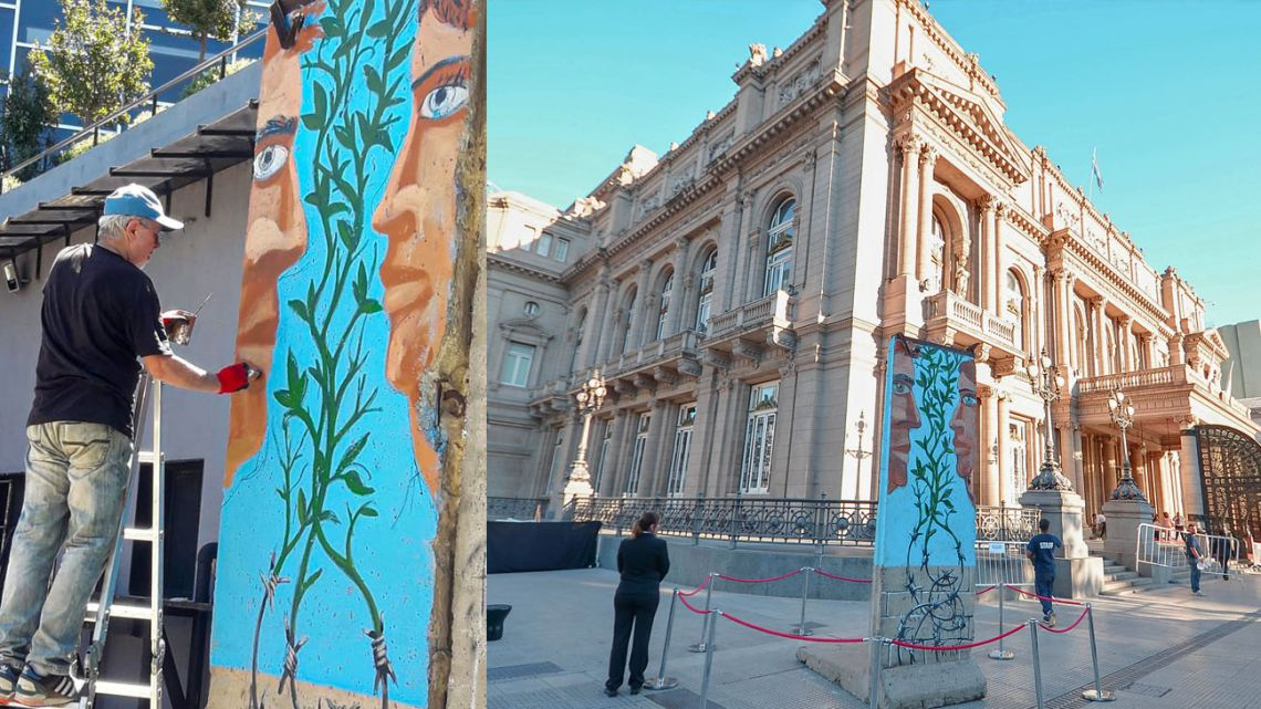 Pablo Temes adds to the Berlin Wall, finished in front of the Téatro Colón, where its was exhibited for the 30th anniversary of Noticias.