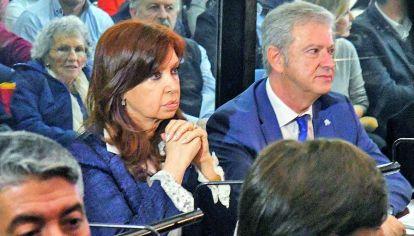 Seriedad. Cristina y su abogado en uno de los juicios que enfrenta. El objetivo de las denuncias solo busca golpearla políticamente.