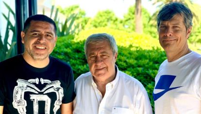 Riquelme junto a sus compañeros de fórmula que irán por el poder en Boca.