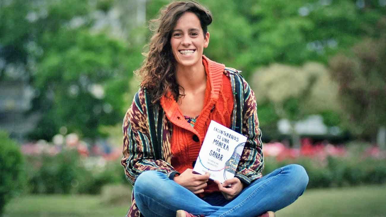 """Maira. """"El libro busca transformar el dolor en algo positivo"""", cuenta."""