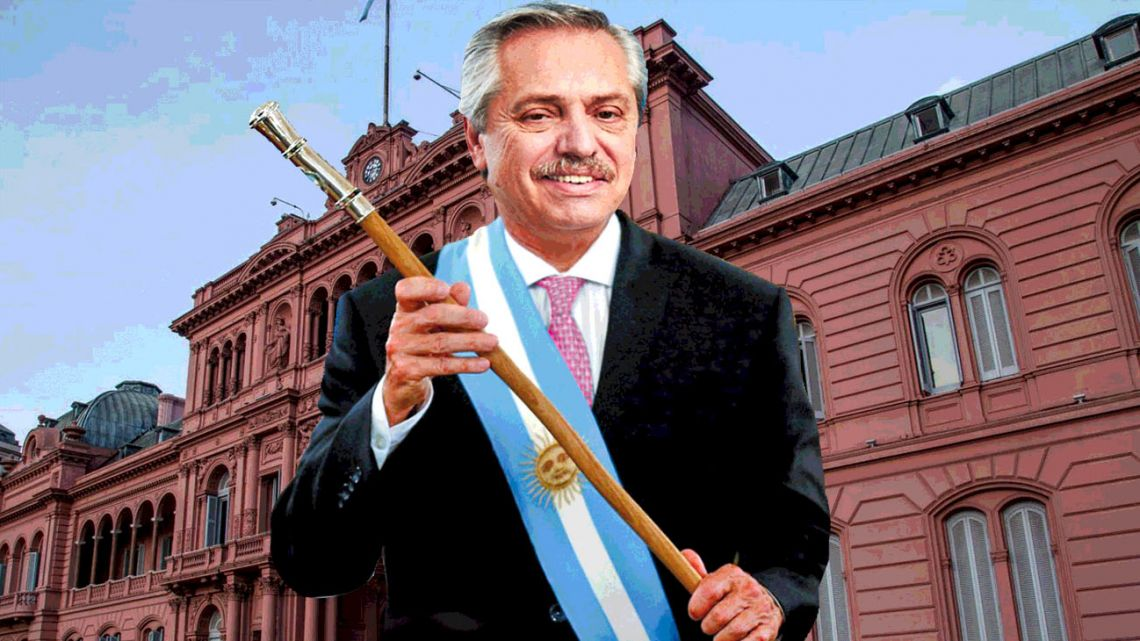 On Tuesday, December 10, the symbolic transfer of power between outgoing President Mauricio Macri and his elected successor will take place, though the odds are against the two men being the main protagonists of the central ceremony.
