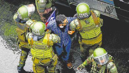 Calles. Chile es uno de los tantos síntomas preocupantes de que las cosas en la región no solo están mal, sino que van para peor.