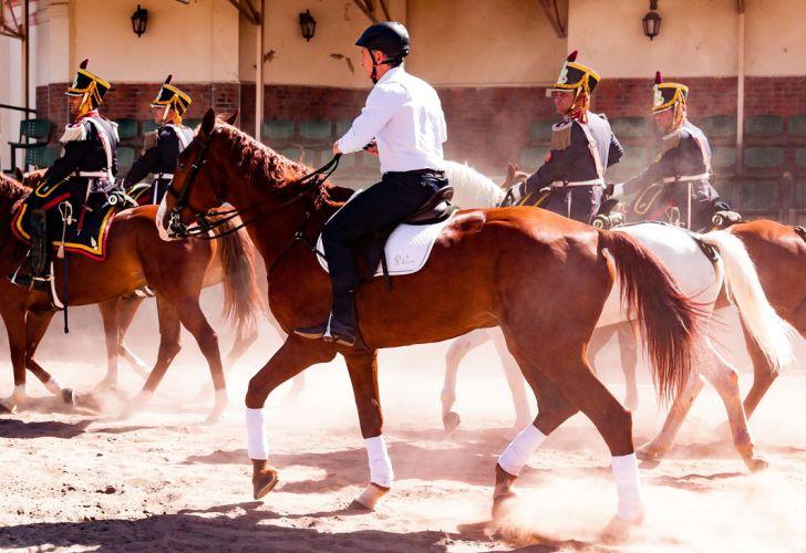 mauricio macri granaderos caballo 20191207