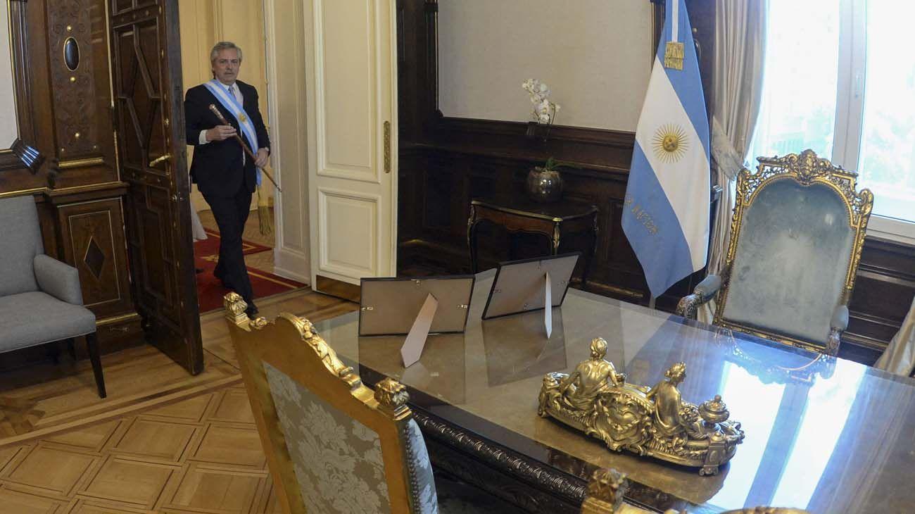 Alberto Fernandez en el despacho de la Casa Rosada