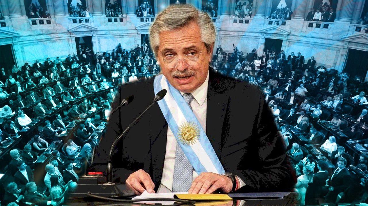 Alberto Fernández pronuncia su discurso.