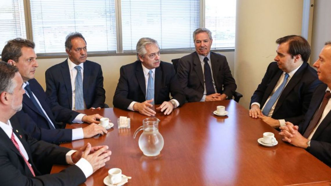 Alberto Fernández and Daniel Scioli received a delegation of Brazilian lawmakers.