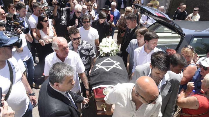 FOTOS | Así despidieron familia y amigos a Santiago Bal en su último adiós