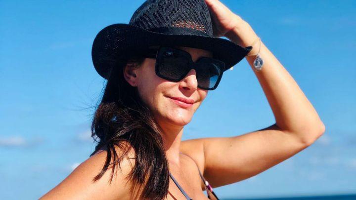 Luciana Aymar lució su panza de embarazada en las playas estadounidenses