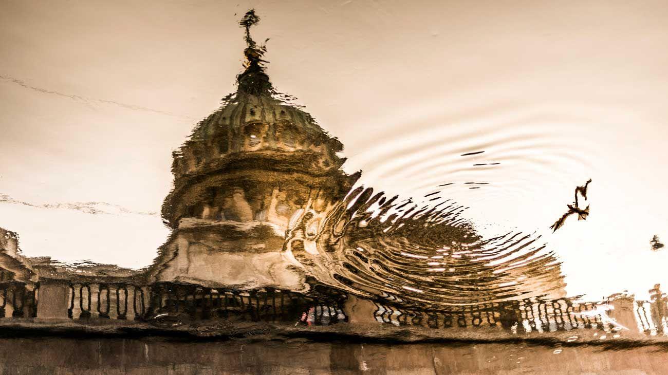 San Petersburgo. Ciudad poética, reflejo en el espejo