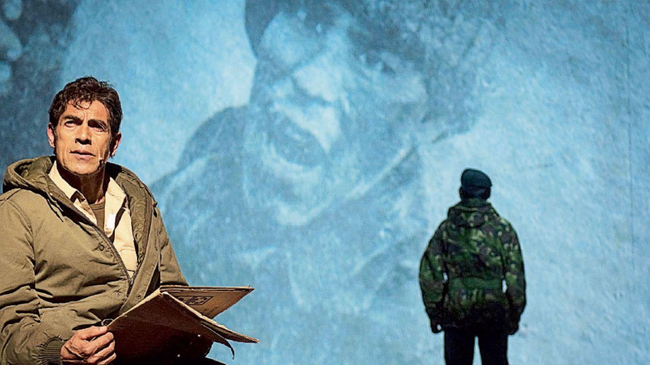 En escena. Veteranos argentinos e ingleses recuerdan lo que vivieron en la guerra en una obra documental.    Foto:Carlos Furman