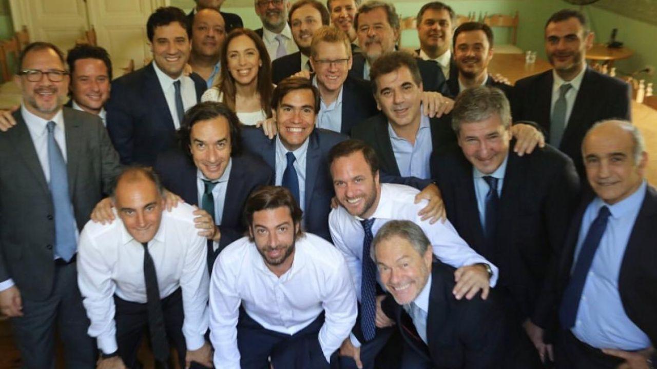 Vidal y sus ministros en la asunción de Kicillof.   Foto:Instagram