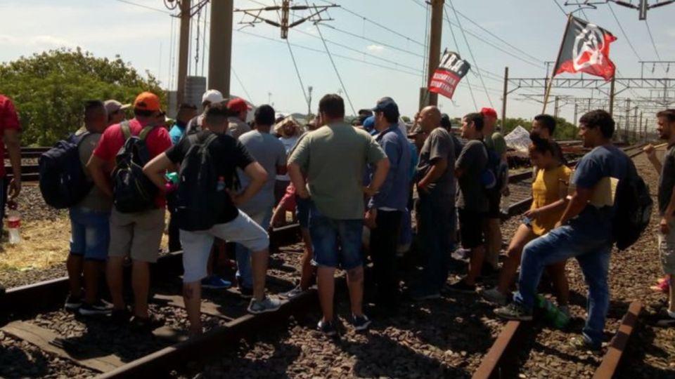 protesta tren roca g_20191211