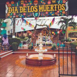 Parte del concurso de altares que se hizo entre los hoteles de la zona turística de Ixtapa.