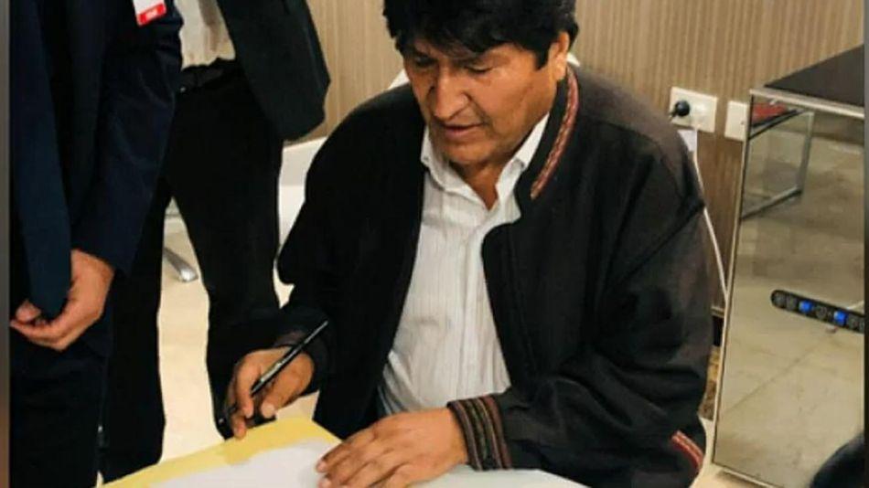Evo Morales refugiado en Argentina 20191212