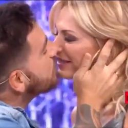 Federico Bal y Yanina Latorre se comieron la boca