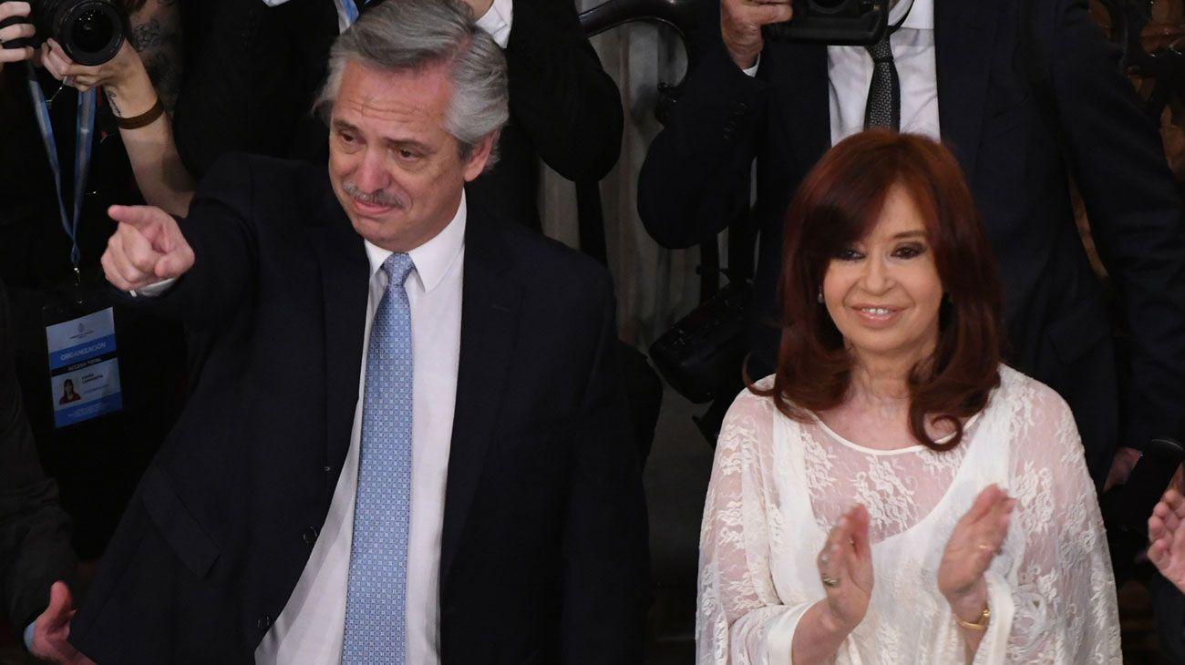 Alberto Fernández y Cristina Fernández durante la asunción presidencial.