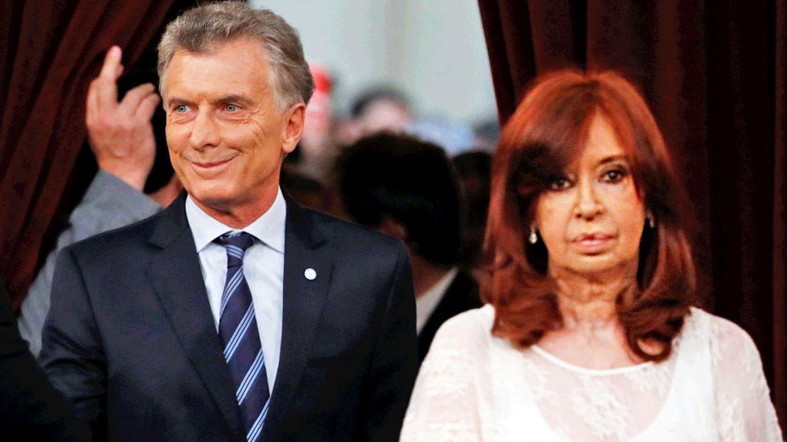 Cristina's facial expression at Macri's salutation.