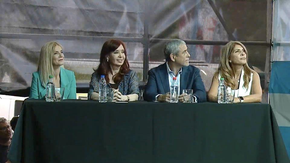 Cristina y Ferraresi en el acto de la nueva asunción del intendente reelecto.