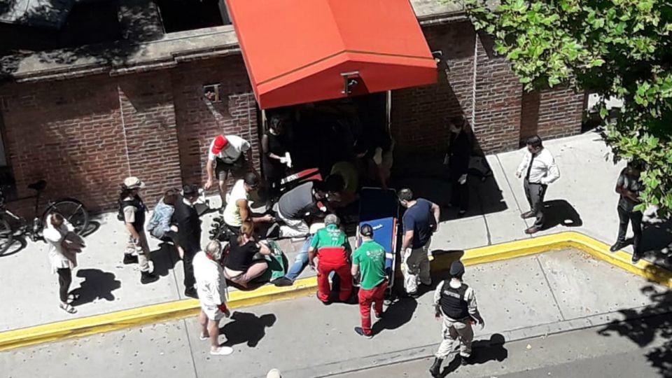 La imagen de uno de los turistas baleados frente al Hotel Faena.