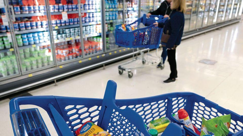 El Gobierno busca acordar precios con los supermercados.