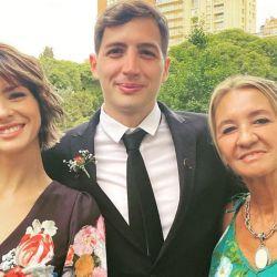 China Suárez con su hermano y su mamá
