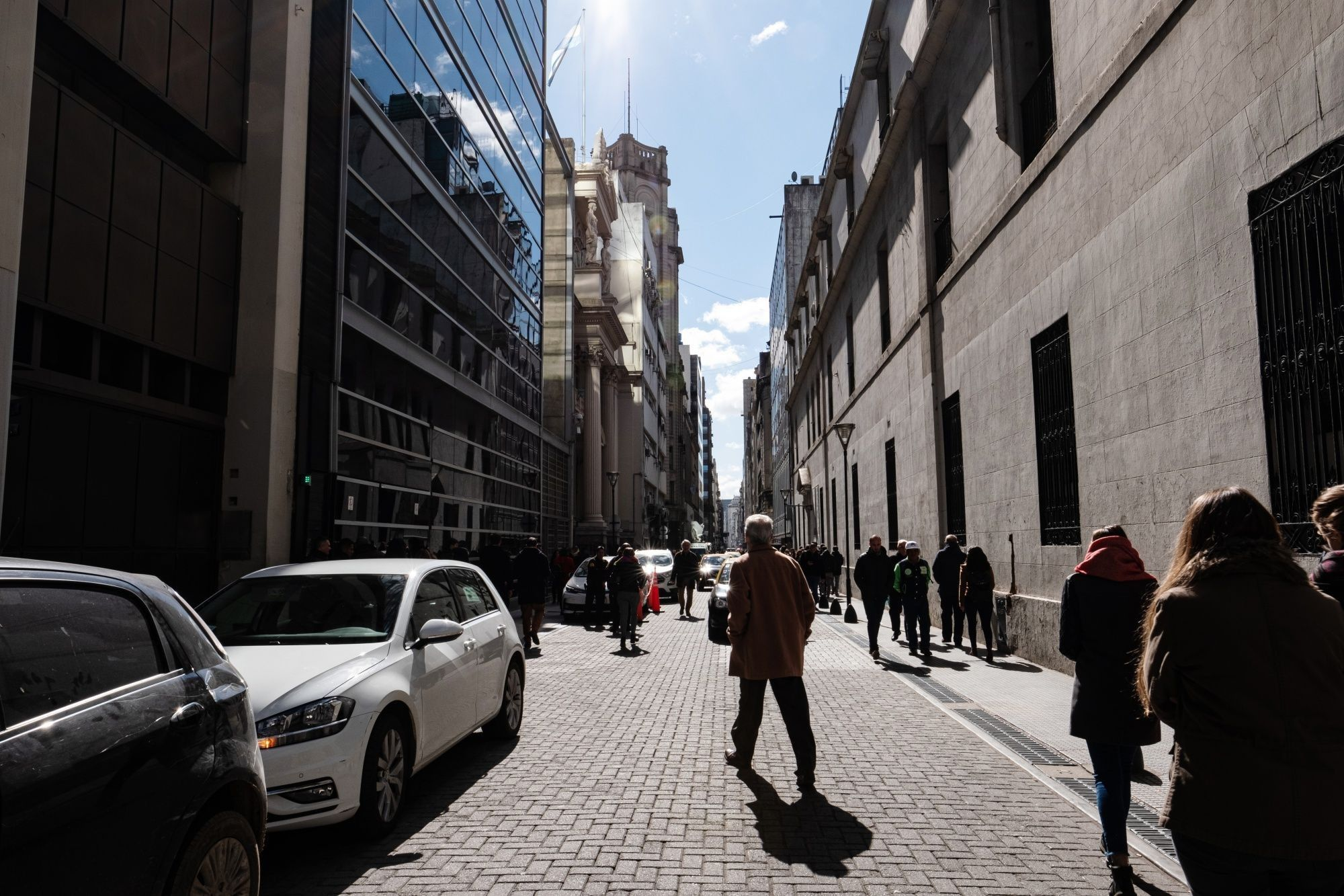 Fears of Argentina Default Loom Large as Traders Dump Everything