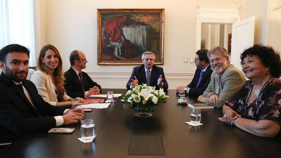 El presidente Fernández, en la primera reunión con su Consejo de Asesores.
