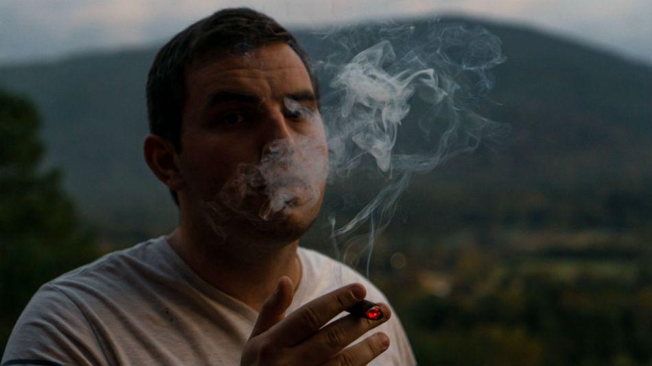 La cifra de consumidores de tabaco masculinos está disminuyendo.