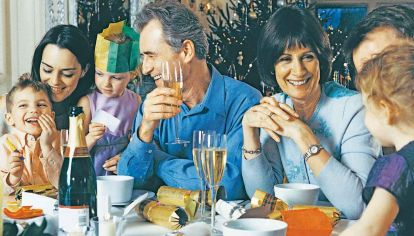 Este año, en especial por la pandemia, la mayoría de las familias pasará la cena de Navidad en casa.