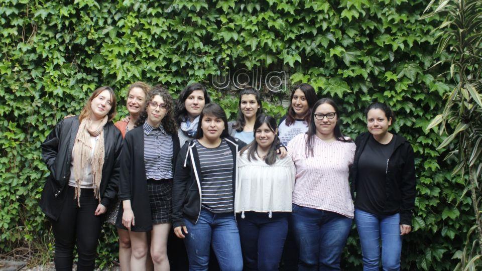 Las 10 chicas fueron elegidas para un programa de entrenamiento en Ualá.