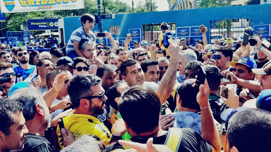 Juan Román Riquelme's late intervention into the Boca Juniors election galvanised fans and ensured a record turn-out on polling day.