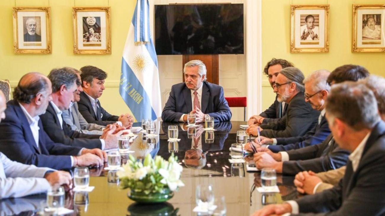 Alberto Fernández se reunión con las entidades que conforman la Mesa de Enlace.