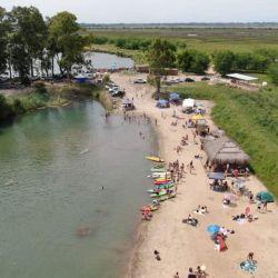 La laguna de Puerto Pilar se encuentra abierta de martes a domingos, de 9 a 20.