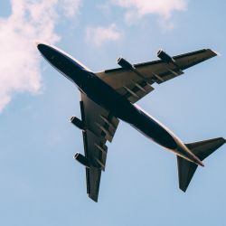 La experiencia de pilotear un avión durante las fiestas