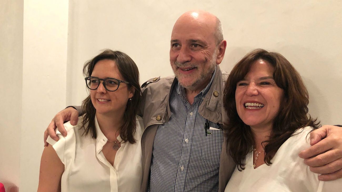 Jesús Rodríguez, auditor radical, junto a Brenda Austin e Inés Brizuela.