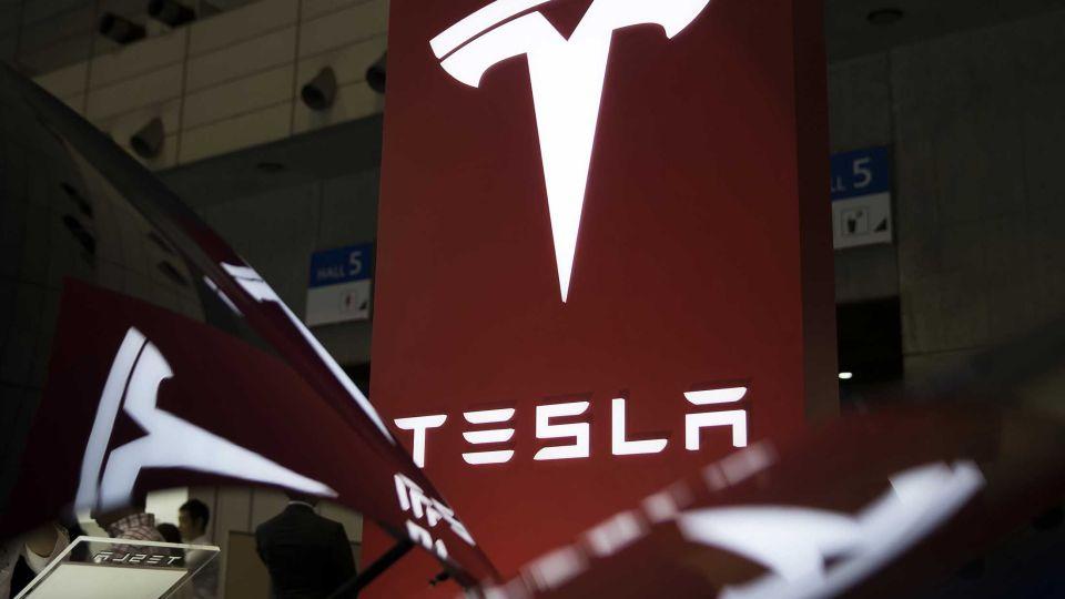 1475763607_Tesla--2