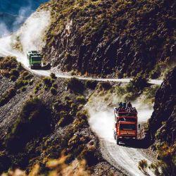 La excursión en los vehículos 4x4 es muy recomendable para apreciar mejor toda la belleza del paisaje.