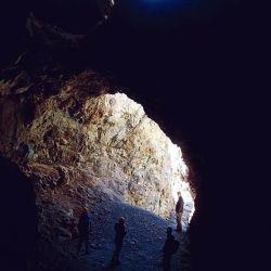 Entrada a una antigua mina de cobre.